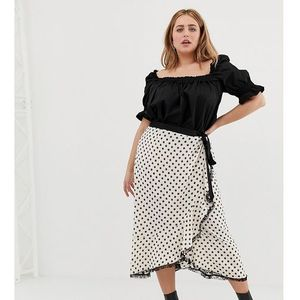 Glamorous Curve wrap front midi skirt with lace trim in floral spot print - Cream, kolor beżowy
